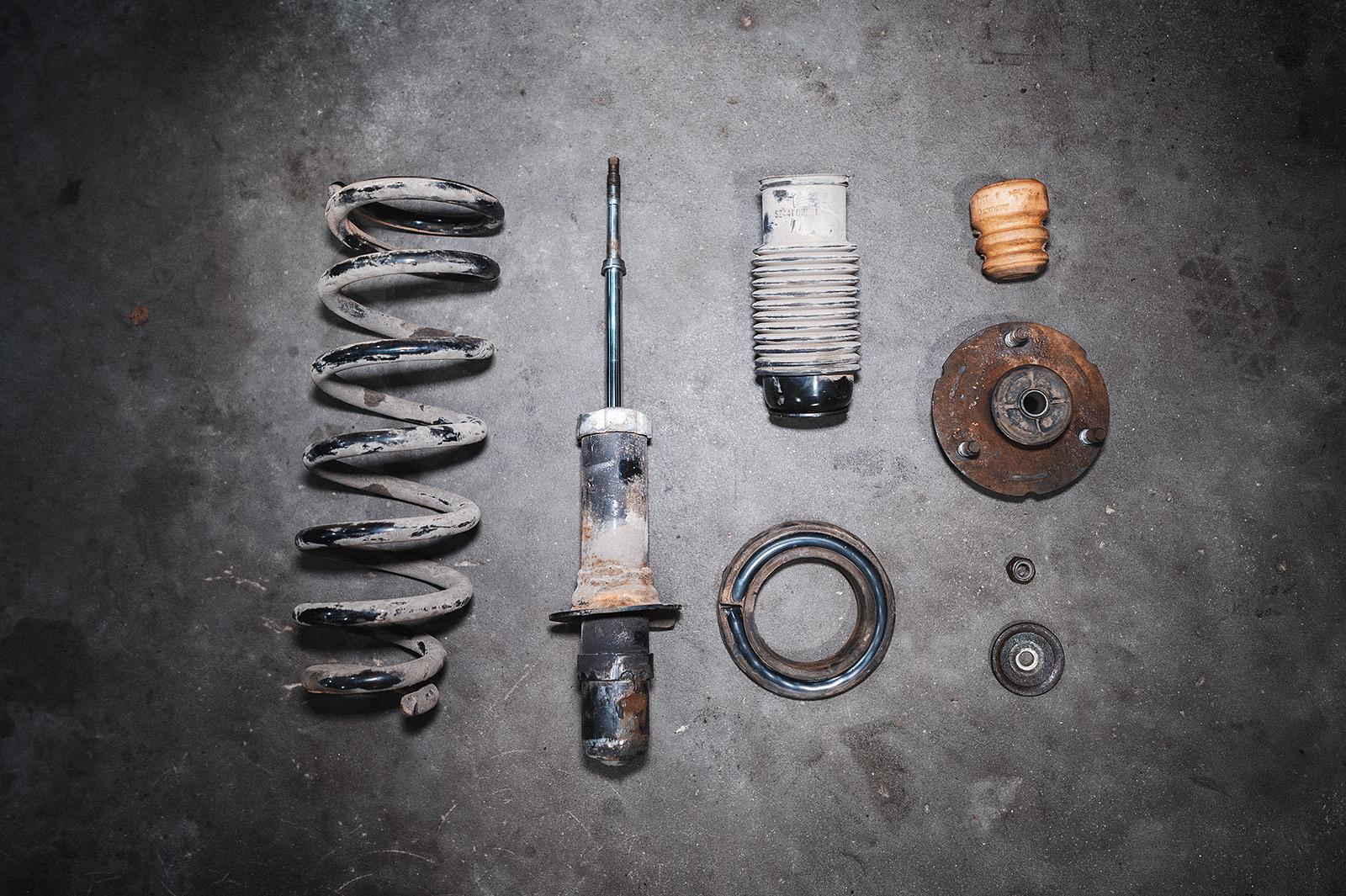 Полный комплект переднего амортизатора
